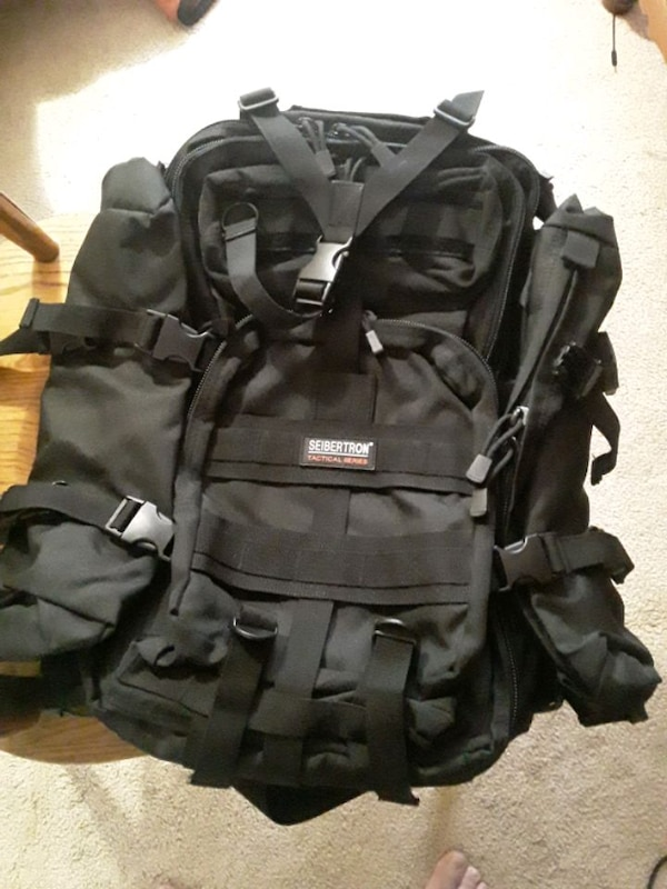 Backpack 39cb346d-adc8-4a77-bf78-ed1f89b48588