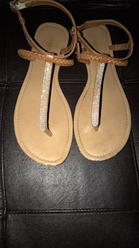 Size 11 used sandals 5$ Martinsburg, 25404