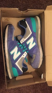 blue-and-gray New Balance low top sneakers Portsmouth, 23707