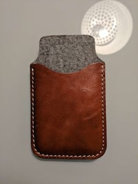 Genuine Leather/Felt Phone Pouch Montreal, H2Z