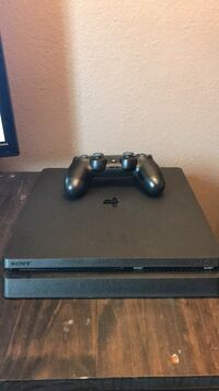 PS4. slim 1TB Santa Ana, 92704