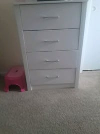 Brand new out the box white wooden 4-drawer chest Columbus