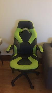 Lime green gaming chair  New York, 10306