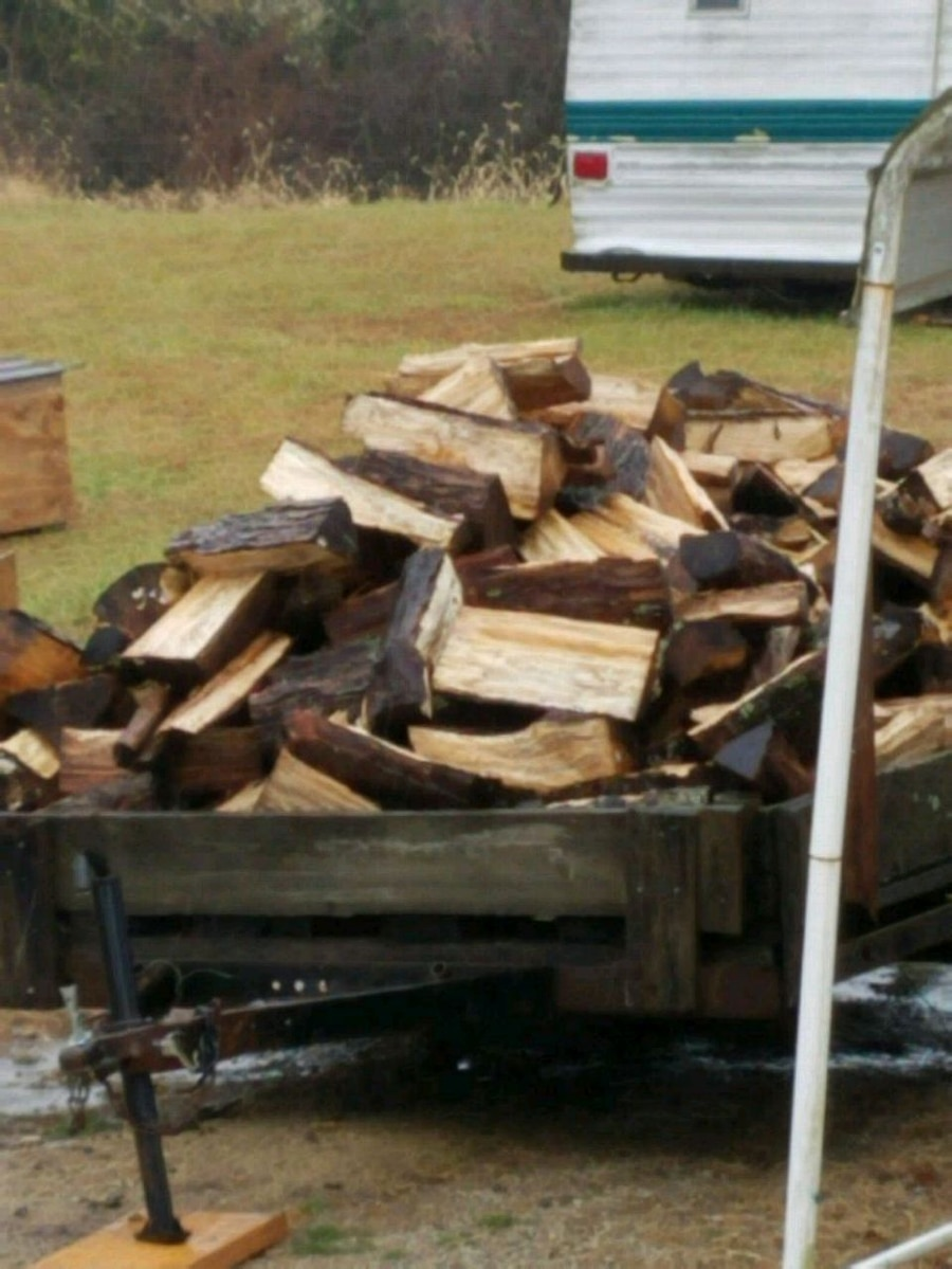 Photo Split firewood seasoned can deliver in or around Adam's county Ohio ar