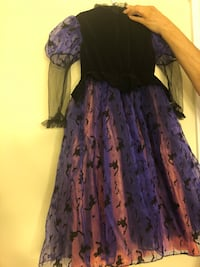 Pretty witch costume children's medium Markham, L3P 6V5