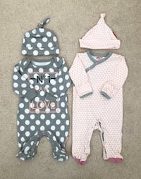 Baby girl coming home outfits- worn only once Mississauga, L5M 0C5
