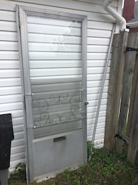 Screen storm door Kitchener, N2G 3P7