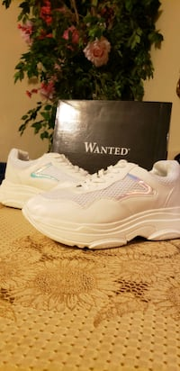 New never used Wanted womens shoes. (Costed $70) Belleville, 07109