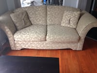 Couch like new, gold grey  Vaughan, L6A