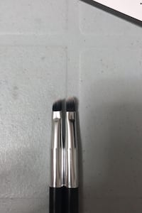 2 eye makeup brushes Burnaby, V5J 4J3