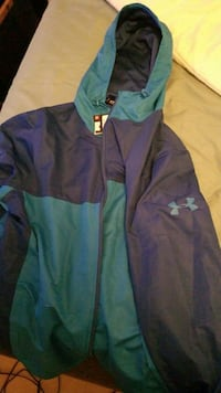 brand new under armour small mens loose fit.  Richmond