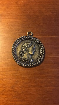 Coin Pendent New York