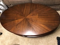 Round brown wooden coffee table Smyrna, 37167