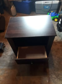 square brown wooden side table 639 km