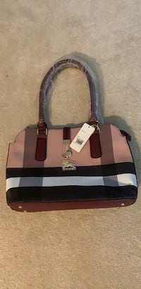 Beautiful Brand New Handbag Chantilly, 20152