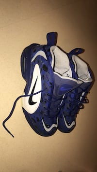 Blue-and-white nike basketball shoes Sioux Falls, 57103