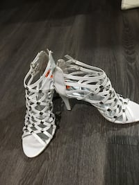 pair of white leather open-toe gladiator sandals London, N5Y 6M4