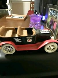 red and black car ride-on toy Holland, 18966