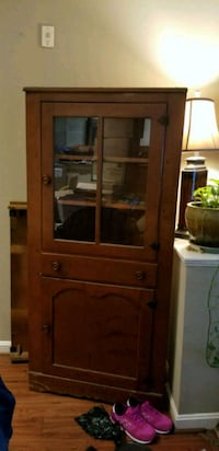 Antique corner cabinet Fairfax, 22033