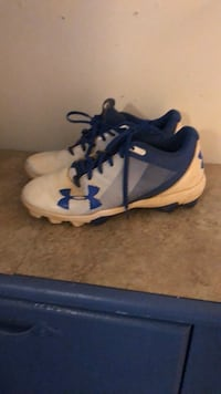 Big boy 5.5 under Armour cleats Alexandria, 22306