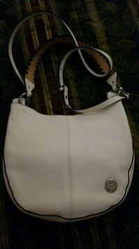 Vince Camuto white leather with black trim o Laurel, 20707