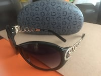 Guess black sunglasses with case
