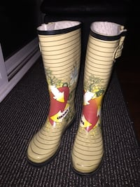 pair of white-and-blue rain boots San Diego, 92127