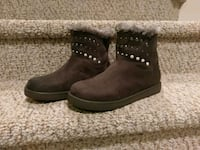 New Women's Size 8M Unisa SLeather Studded Boot Woodbridge, 22193