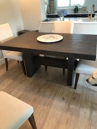 Dining table  Fort Lauderdale, 33308