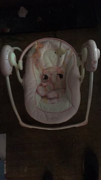 baby's gray and white portable swing Chicago, 60634