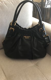 Prada authentic hobo bag. In excellent condition bought in Rome.