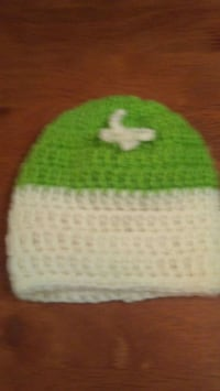 green and white knit cap 378 mi