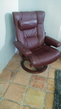 Leather recliner Palm Springs, 92264
