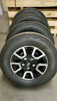 Toyota Tundra 18 inch wheels with new tires Hollister, 95023