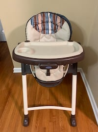 High Chair Chantilly, 20151