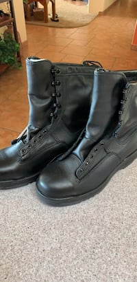 Pair of black leather boots San Diego