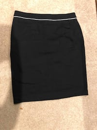 NEVER WORN Laura Petite Black Pencil Skirt, with no tags, FOR SALE Grimsby