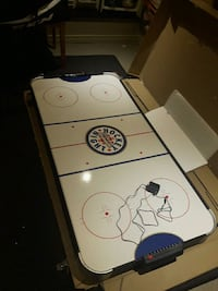 white and black air hockey table Shelburne, L0N 1S4