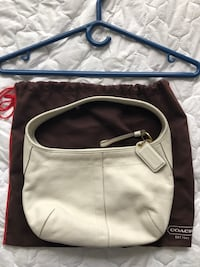 Coach ergo white cream hobo purse M [TL_HIDDEN]  Toronto, M1P 4H7