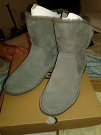 UGGs size 7.5 fur lined $100.00