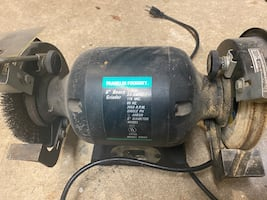 """6"""" bench grinder . With 2 wheels"""