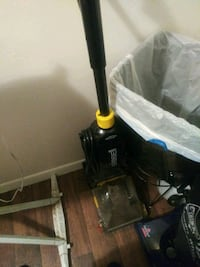 Bressel carpet cleaner with all attachments $100