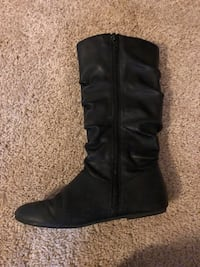 Children's place black zip up boots  Hopewell Junction, 12533