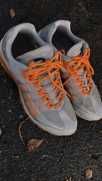 pair of grey-and-orange Aimax running shoes Naples, 34104