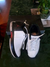 pair of white-and-black Air Jordan shoes Tracy, 95377