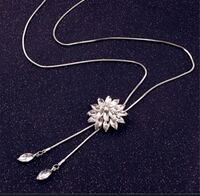 New Beautiful snowflake pendant Necklace  London, N6C 4W2