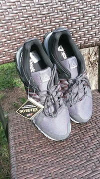 Reebok Gore-tex runners brand new with tag Vancouver, V6P 3Z6