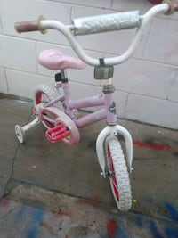 Girls huffy bike with training whes Ontario, 91764