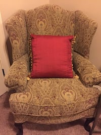 Wing Chair w/ pillow Birmingham, 35242