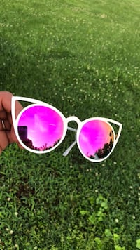 Pink and Gold mirrored framed sunglasses Nashville, 37115